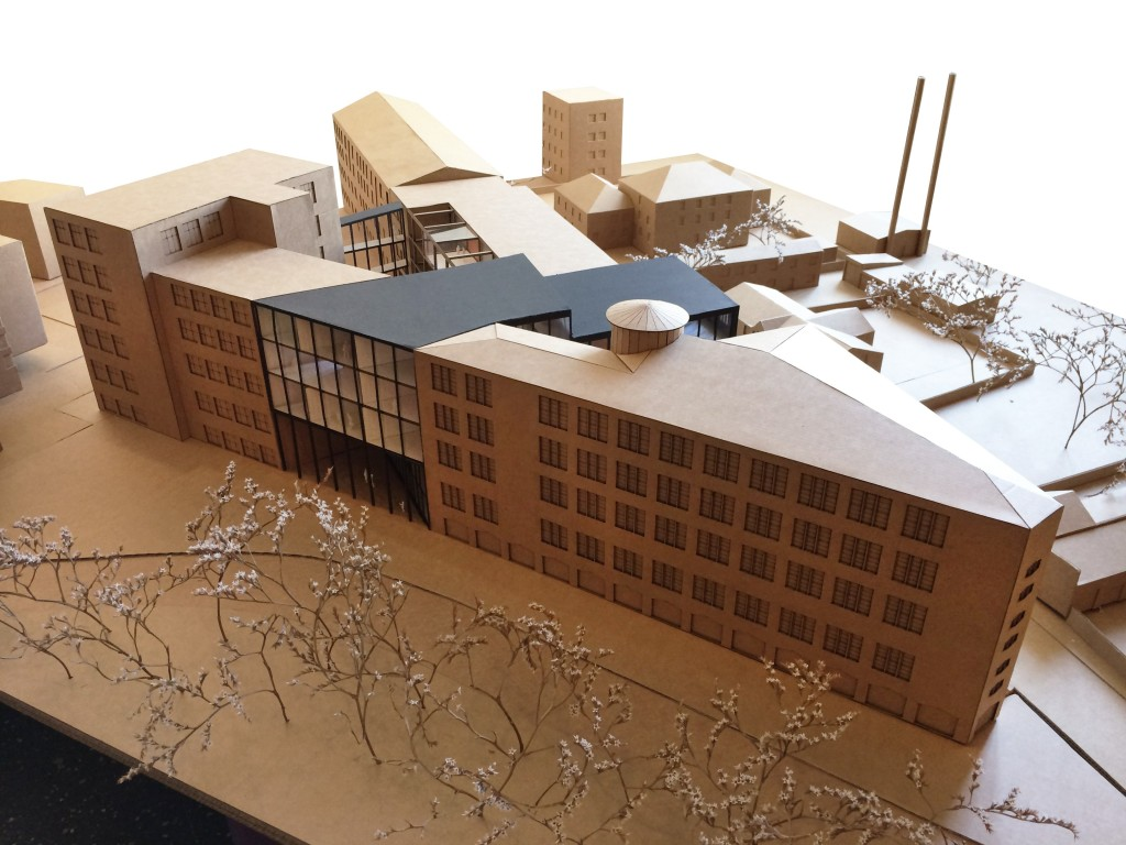 KUU Architects Koit Ojaliiv,  Joel Kopli, Juhan Rohtla and  philosopher Eik Hermann.  The winning entry Linea of  the 2014 EAA architectural  competition for the former  stocking factory building on  Põhja Boulevard acquired for  the school.